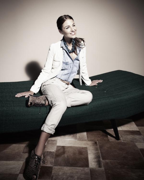 Paula-Echevarría-endorsement-imagen-Blanco-otoño-invierno-2011-2012
